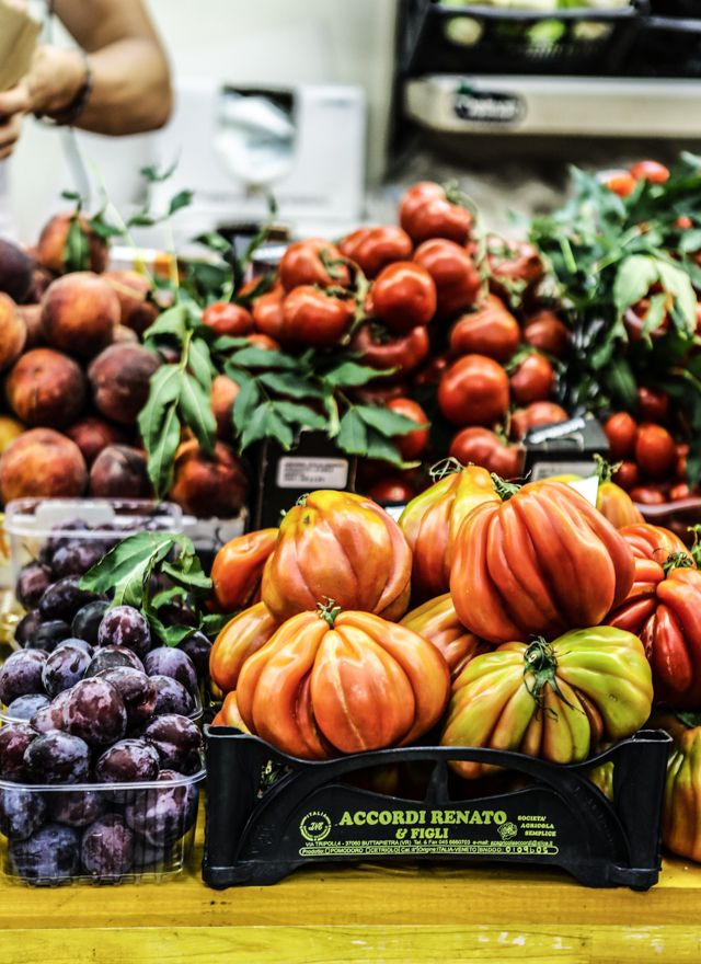 bologna fresh market.  katie quinn davies