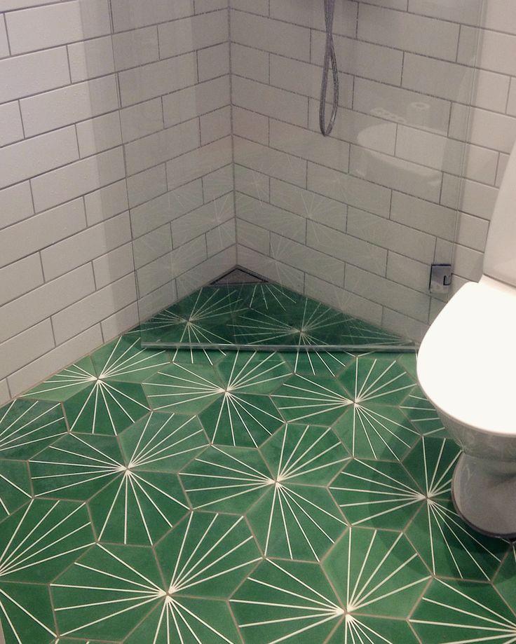 Marrakech design dandelion pea green tiles. Unidrain corner.