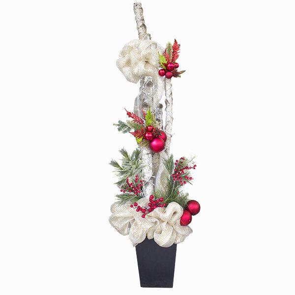 Arrangement  avec bouleau, tulle, boules et fleurs, 6'