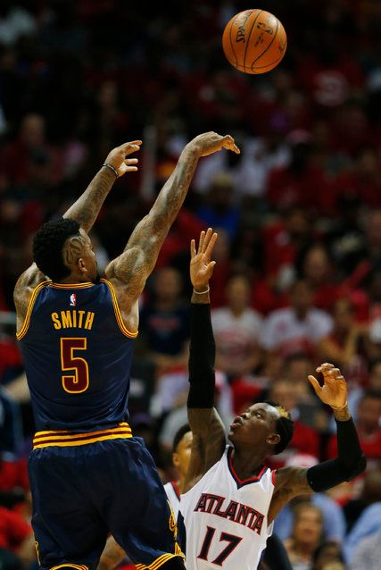 Cavaliers, behind 'Great Guy' J. R. Smith, Grab Lead Over Hawks - NYTimes.com