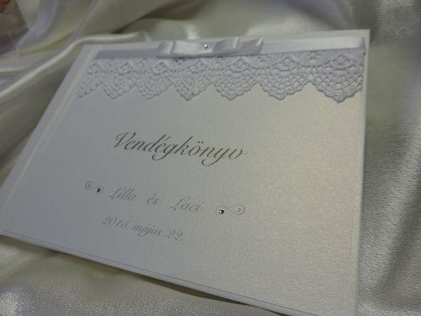 00120 - Vendégkönyv csipkével, dupla szatén masnival és swarovski kristállyal díszített - Papírral bevont esküvői vendégkönyvek - Esküvői vendégkönyvek, emlékkönyvek - Webáruház - Esküvői meghívó, esküvői vendégkönyv, ültető és menükártya, köszönetajándék