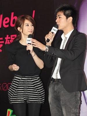 S.H.E. member Hebe Tian (Hebe) at book signing | China Entertainment News