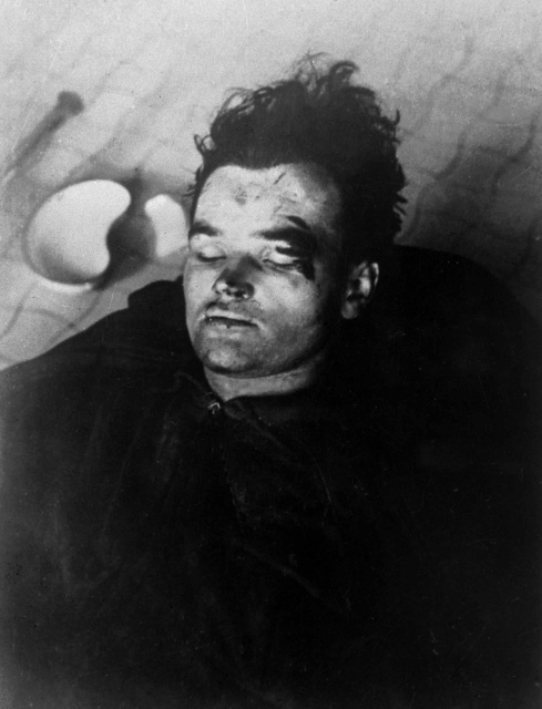 Warrant Officer Jan Kubiš bled to death from multiple wounds at the SS-hospital in Praha 4 - Podolí‎.