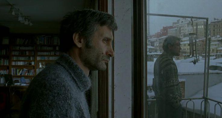 Distant / Nuri Bilge Ceylan (2002)