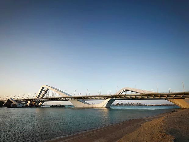 Şeyh Zayed Köprüsü
