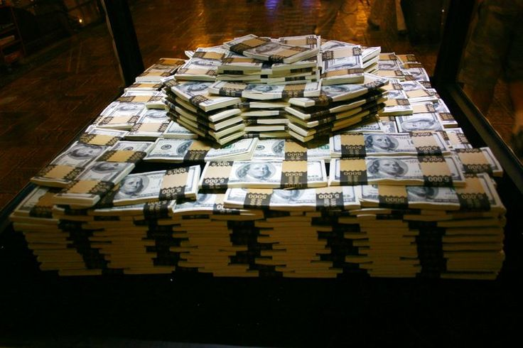 One Million Dollars in cash, Las Vegas, NV