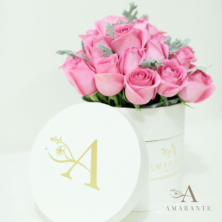 Amarante Flower Box. A timeless classic bloom box filled with roses. #AmaranteFlowers #byAmarante IG : @amaranteflowers