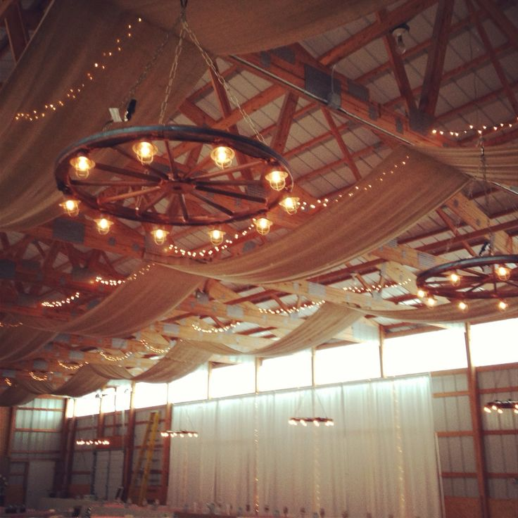 Wagon Wheel Light Chandelier: 17 Best Ideas About Wagon Wheel Chandelier On Pinterest