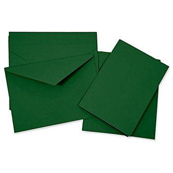 Set cartes doubles (format A5) + enveloppes (format C5), vert sapin, dimensions cartes :210 x 148 mm (A5), grammage : 240 g/m², dimensions enveloppes :229 x 162 mm (C5), grammage : 120 g/m². Contenu :5 cartes et5 enveloppes.