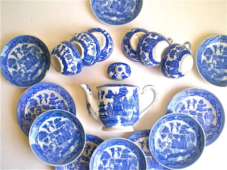 dinnerware from 1950 | ... Dishes, Tea Set, Vintage, Child's Dish Set, 18 pieces, 1940's, 1950's