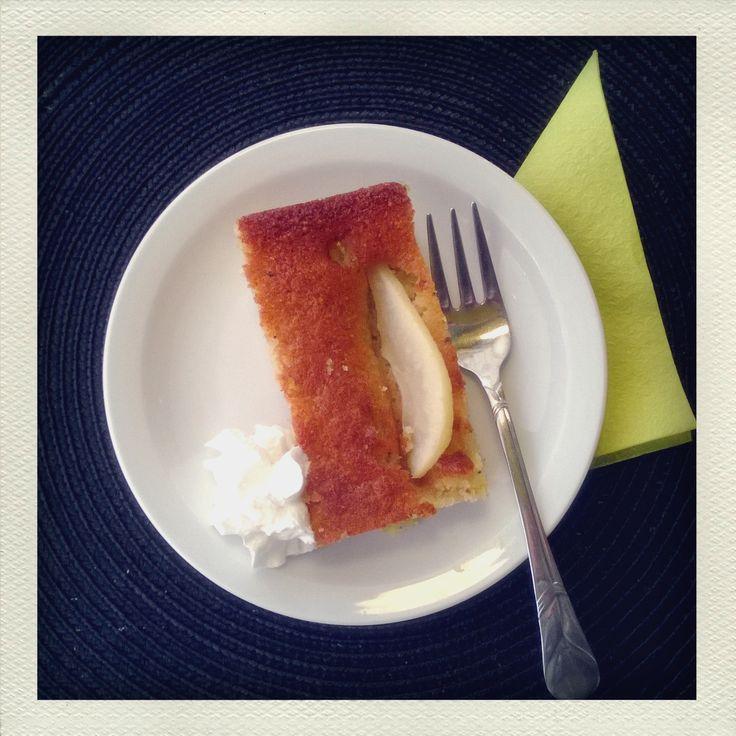 Päärynä-kardemummakakku (gluteeniton) Leipomo Lisää,kiitos!