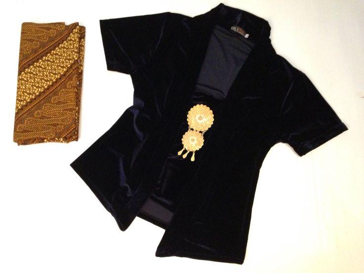 Kebaya premium velvet by Riskavebrie