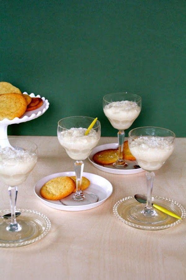 Hvit sjokoladepudding og vaniljekjeks