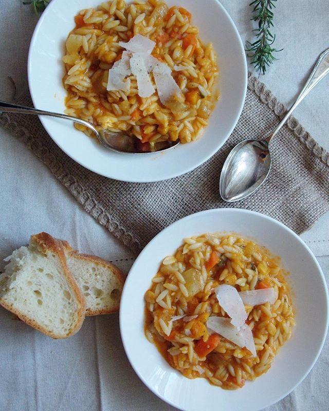 Orzo with winter vegetables Comforting & flavorful soup with healthy vegetables.[Link in blog archives].Κριθαράκι με χειμωνιάτικα λαχανικά [συνταγή στο αρχείο του blog].#orzo #soup #vegetables