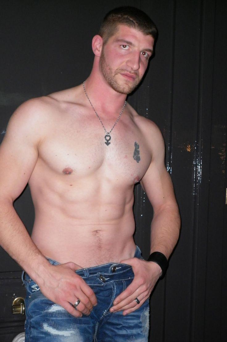 acteur gay ttbm homme gay muscle