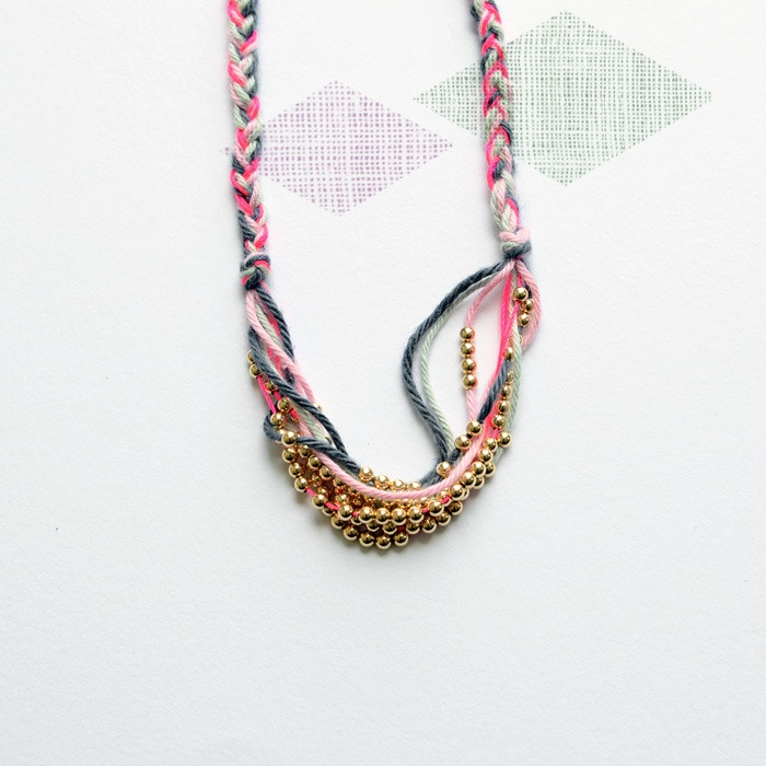 Bloesem Wears Liv loves gold necklace in bold.