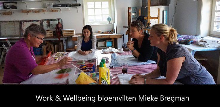 De workshop Bloemvilten van Mieke Bregman was ontzettend leuk om te doen. Heel ontspannen ook. Je weet pas op het laatst wat voor een soort bloem het wordt en dat is een ware verrassing.