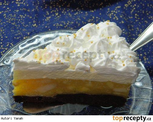 Jablková torta s krémom z mascarpone a vaječného likéru