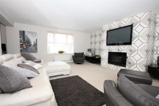 5 bedroom link detached house for sale - Jackson Road, Bagworth, Coalville Full description   ***EXECUTIVE FAMILY HOME BACKING ONTO FIELDS, FIVE BEDROOMS, THREE RECEPTION ROOMS, CONSERVATORY*** Newton Fallowell has pleasure in bringing to market this substantial family home located in the village of Bagworth. The accommodation is on three floors and comprises:... #coalville #property https://coalvilleproperties.com/property/5-bedroom-link-detached-house-for-sale-jackson-r