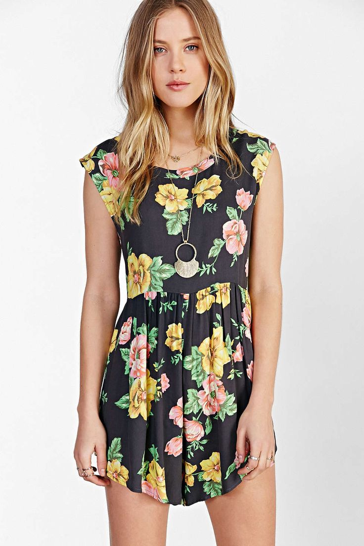 Somedays Lovin The Seeker Floral Romper - Urban Outfitters ...