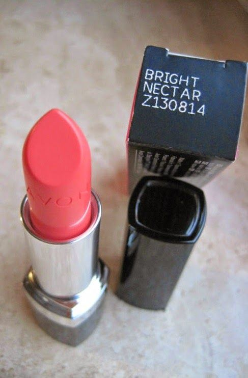 Fashion Royals: Avon Ultra Colour Lipstick Giveaway