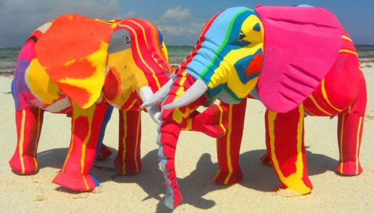 Ocean Sole: kleurrijke dieren van oude teenslippers -  http://www.debeterewereld.nl/de-betere-kleine-wereld/ocean-sole-kleurrijke-safari-van-oude-teenslippers/