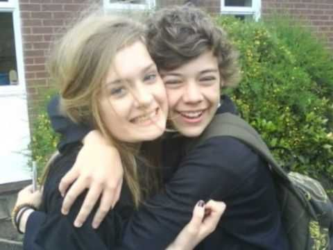 Harry Styles Kissing With A Fan - YouTube
