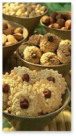 Walnut Macaroons - German Christmas Cookies    (Walnussmakronen)