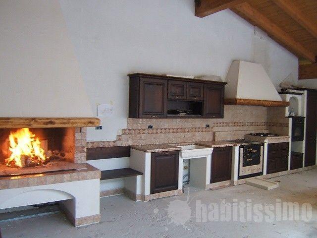 ristrutturazione taverna e cucina in muratura con caminetto