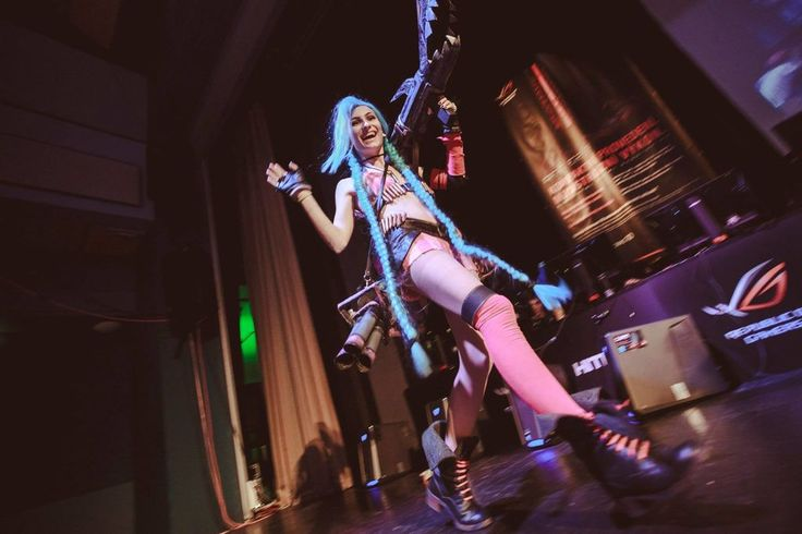 Jinx (League of Legends) Cosplayer: Marty Novotna FB page: http://facebook.com/MartyCosArt  #cosplay #game #Jinx #LeagueofLegends #MartyNovotna #LoL #t