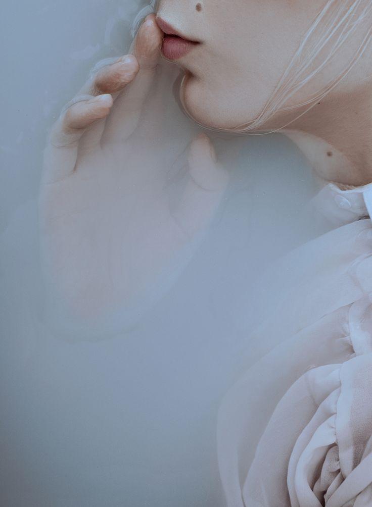 Art Director/Stylist: Saba Petrén Photographer: Bernhardina Hörnstein – Bernhardina Photography Hair/Makeup: Jasmine Lundmark Model: Ida Svensson @ Scandinavian Models #photography