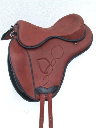 FREEFORM DKR Innovative monoflap saddle , with detachable knee rolls system. FRE B DKR = saddle base FREST4 = DKR design seat For optionals see additional chart.