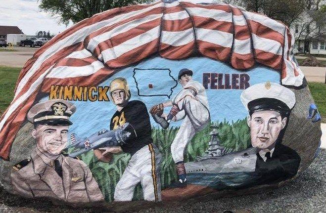 Artist Ray Sorensens S Freedom Rocks Iowa Memorial Day Treasures Memorial Day Artist American Flag Shield