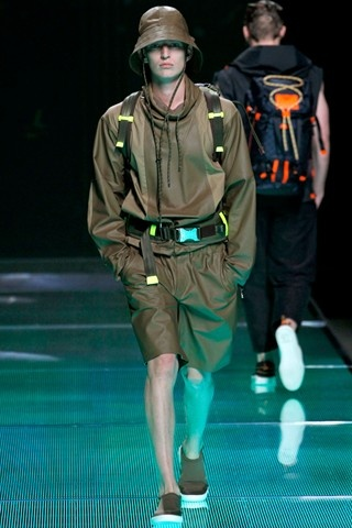 This is the way a soldier should dress #LOUISVUITTON  spring/summer 2013