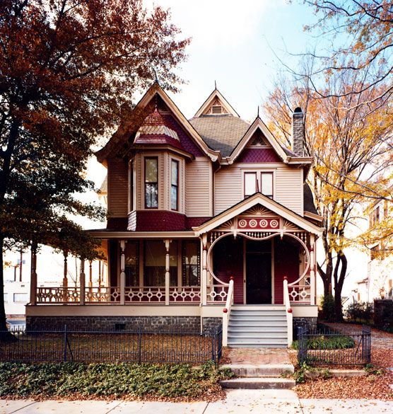Beautiful Queen Anne style architecture in Little Rock, AR.