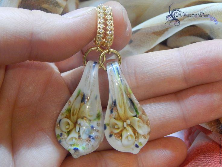 Купить Серьги Стеклянные Каллы - стеклянные бусины, стеклянные серьги, муранское стекло, серьги нежные