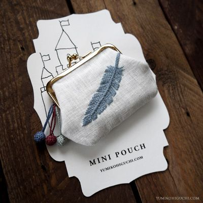 #2of 2 embroidered feather mini pouch  http://yumikohiguchi.blog105.fc2.com/page-1.html
