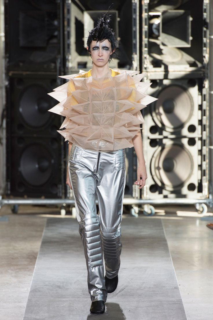 Junya Watanabe Spring 2017 Ready-to-Wear Collection Photos - Vogue