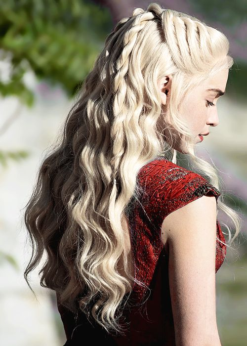 Ok yes it is gory but I can't get enuff of The Game of Thrones cinematography actors costumes and amazing hairstyles....for my next appearance can I please get my hair done by their creative team?! Please!!