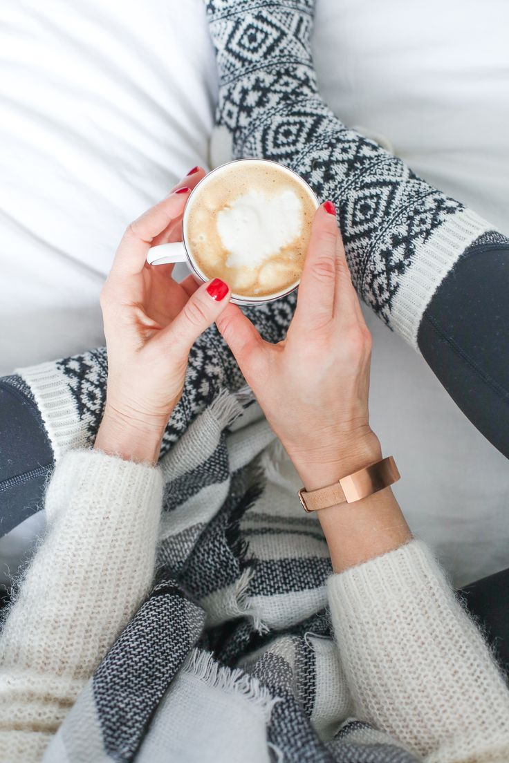 Latte+staying connected with the Q Dreamer activity=a perfect Sunday @theverygirl