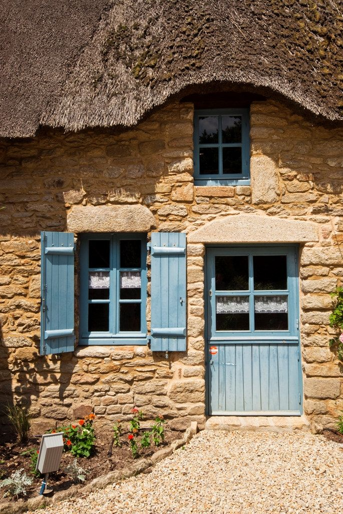 Bretagne - That's sealed it, I MUST paint my front door blue.