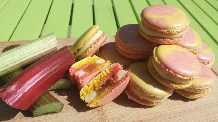 Rhubarb and Custard Macarons