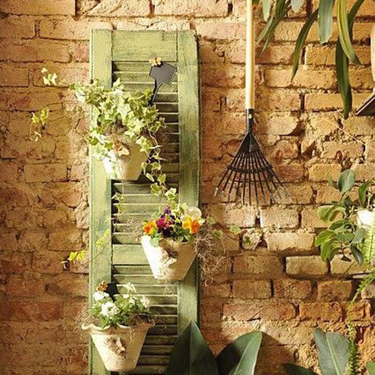 Une persienne comme mur végétal