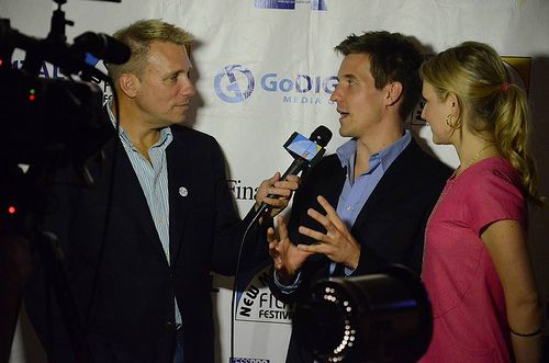 On the Red Carpet w Host Cary Harrison. Actors in Can't Stand the Rain MV PIC-FrankieJennett