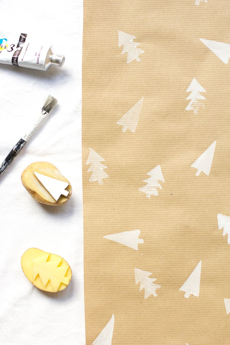 we love handmade | DIY: Geschenkpapier mit Kartoffeldruck | http://welovehandmade.at