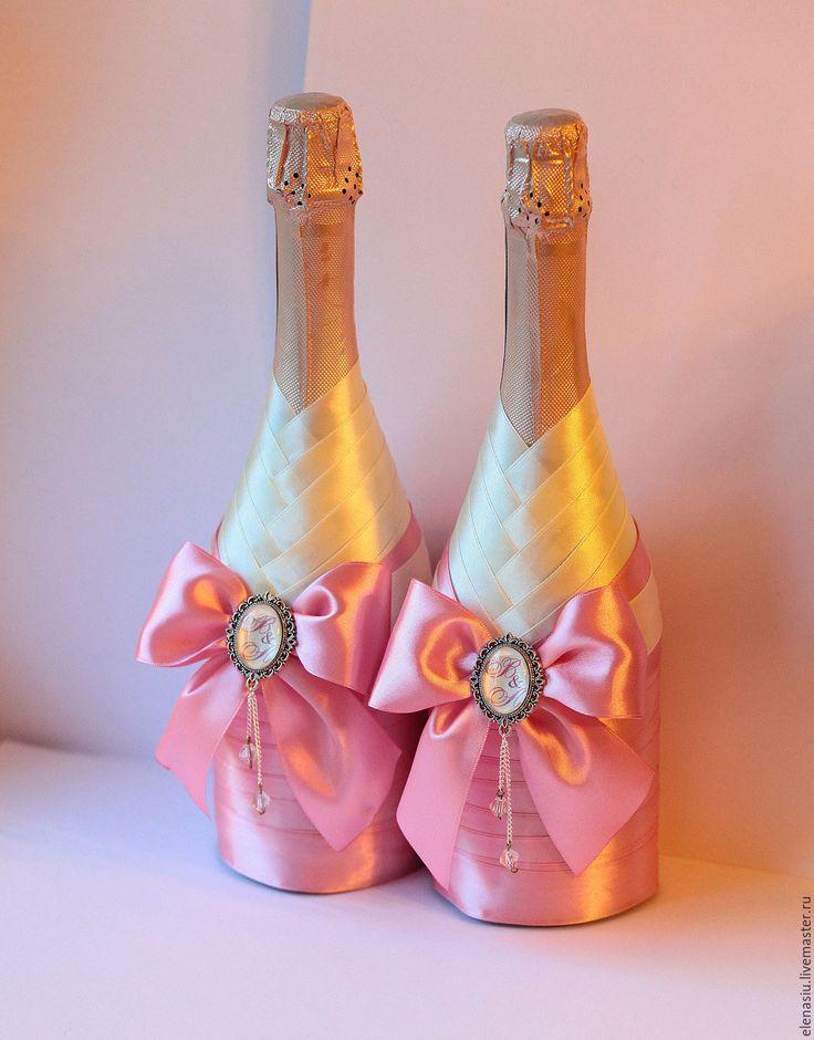 Купить Свадебные бутылки с именными брошами в розовом цвете - 2 шт - розовый, розовая свадьба