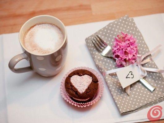 Romantici muffin decorati per una primavera davvero tenera