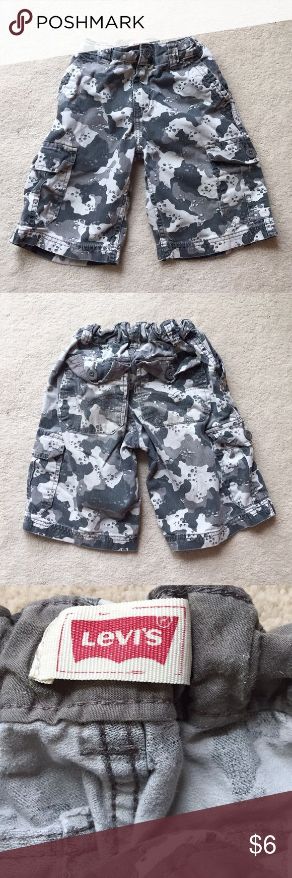 Levi's Gray Camo Cargo Shorts Camo is a huge trend this spring! Keep your little guy in style with these gray camo cargo shorts. They have an elastic waist and adjustable straps. They also have a zipper and button fly. Levi's Bottoms Shorts