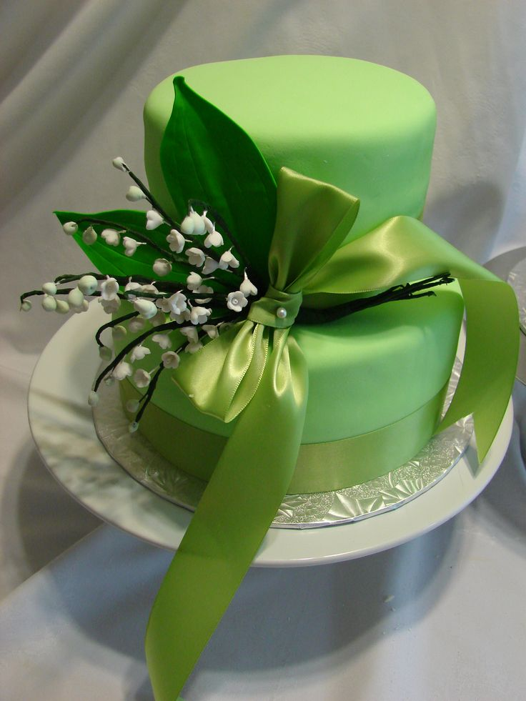 Green Cake Beyondcolorcontest Cakes Pinterest