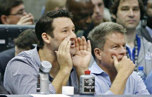 Tony Romo, Jason Witten take in Texas basketball game, sit with... #TonyRomo: Tony Romo, Jason Witten take in Texas basketball… #TonyRomo